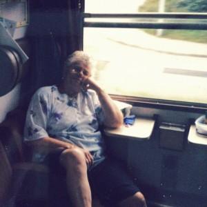 oma - Met de trein naar Berlijn