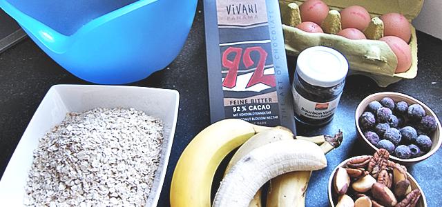 gezonde suikervrije bananencake of bananenbrood ingredienten