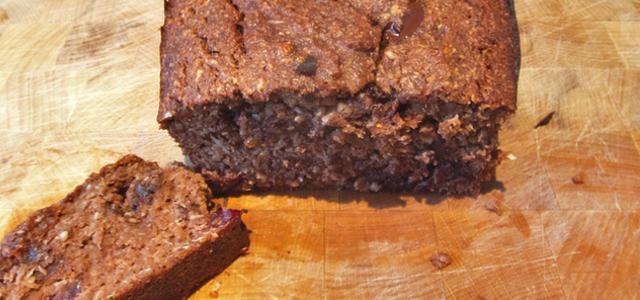 Gezonde dubbele chocoladecake uit de oven