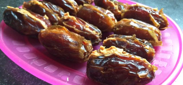 Dadel Pindakaas bonbons recept