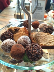 Raw High Tea bij Baker & Moore